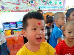 小二班:爱上幼儿园